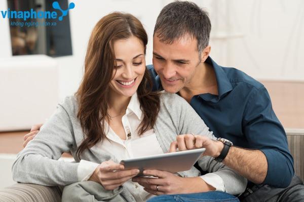 Vinaphone tặng 200% thẻ nạp cho Ezcom ngày 24 - 25/11