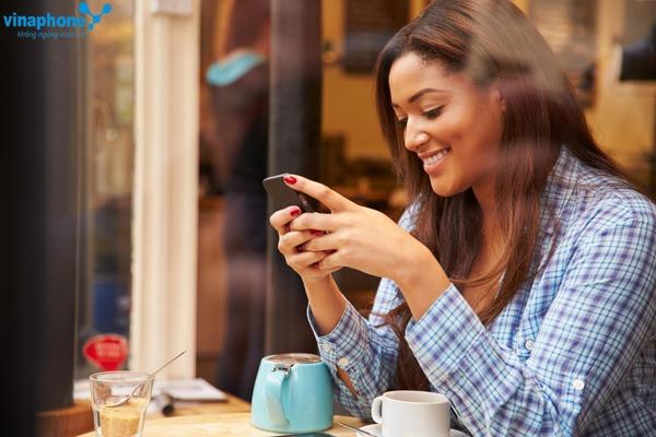 Vinaphone khuyến mãi 50% giá trị thẻ nạp ngày 30/11